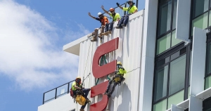 Alltech abseilers team at unilodge toowong