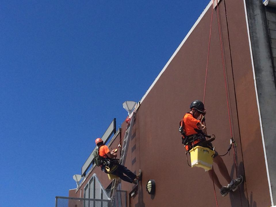 ALLTECH ABSEILERS | ROPE ACCESS | HIGH RISE BUILDING SOLUTIONS
