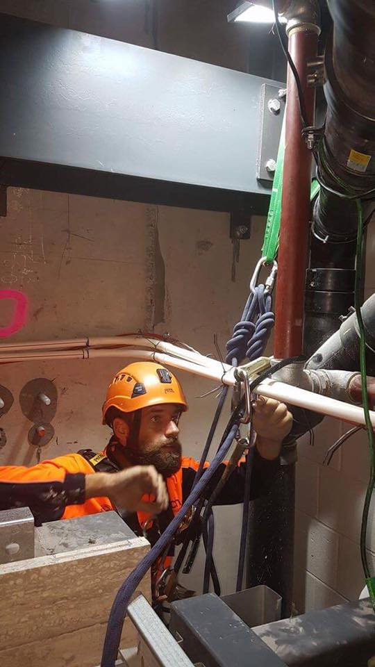 Industrial Abseiler Solving Installation Problem - Minimal Access Experts