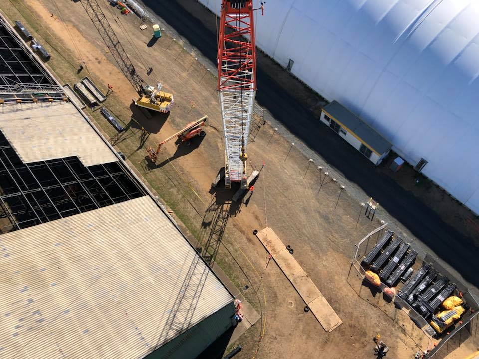 Shutdown Industrial Abseilers Crane - Working at extreme heights